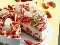 Strawberry Cream Pie with Amaretto Macaroon Crust recipe