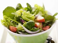 Strawberry Salad with Red Onion recipe