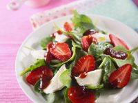 Strawberry, Spinach, and Mozzarella Salad recipe