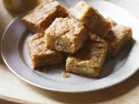 Sugar-free White Chocolate and Banana Traybake recipe