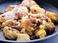 Sugared Pancake with Rum Raisins recipe