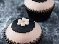 Sugarpaste Flower Cupcakes recipe