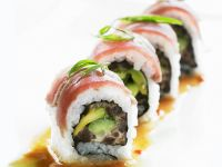 Sushi (Inside-Out Rolls) with Avocado and Tuna recipe