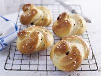 Sweet Raisin Buns recipe