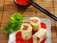 Sweet Rice Rolls with Fruit Sauce