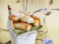 Sweet Spring Rolls with White Chocolate and Green Tea Ice Crean recipe