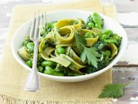 Tagliatelle with Broad Beans, Spinach and Pesto recipe