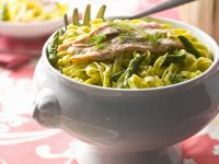 Tagliatelle with Green Asparagus and Salmon recipe