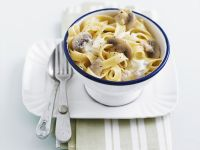 Tagliatelle with Mushroom Cream Sauce recipe