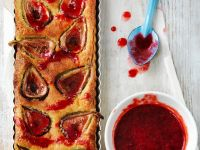 Tart with Figs and Raspberry Sauce recipe