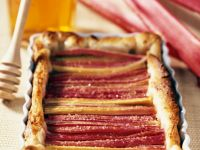 Tart with Rhubarb and Honey recipe