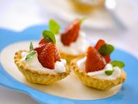 Tartlets with Strawberries and Yoghurt Cream recipe