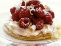 Tartlets with White Chocolate and Raspberries recipe