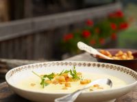 Terlaner-Style Wine Soup with Croutons recipe