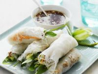 Thai Rice Rolls with Sweet and Sour Chili Sauce Dip recipe