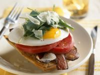 Toast with Bacon, Tomato, Egg and Spinach recipe