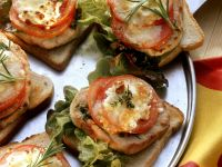 Toast with Pork, Tomato, and Mozzarella recipe