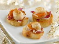 Toasted Baguette with Vanilla and Scallops