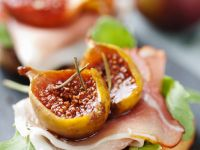 Toasted Rolls with Prosciutto and Figs recipe