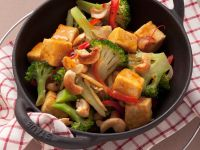 Tofu with Broccoli and Nuts recipe
