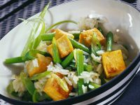 Tofu with Rice and Green Beans recipe