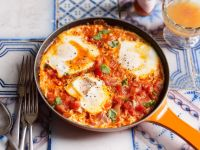 Tomato and Bell Pepper Sauce with Eggs recipe