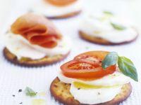 Tomato and Mozzarella Crackers recipe