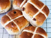 Traditional Hot Cross Buns recipe