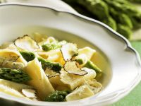 Truffle Pasta with Green Asparagus recipe