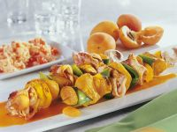 Turkey Kebabs with Bacon and Apricots recipe