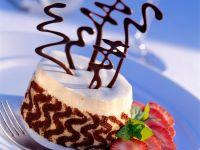 Vanilla and Chocolate Cake with Vanilla Mousse recipe