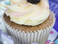 Vanilla Cream Sparkly Cupcakes recipe