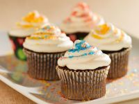Vanilla-frosted Chocolate Cupcakes recipe