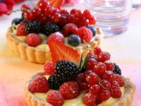 Vanilla Tarts with Berries recipe