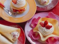 Vanilla Wafers with Whipped Cream and Strawberries recipe