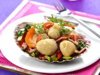 Vegetable Bacon Salad with Scallops recipe