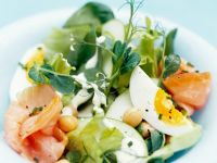Vegetable Salad with Smoked Salmon and Eggs recipe