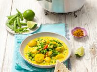 Vegetarian Curry with Peas and Potatoes recipe