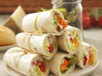 Wraps with Bell Peppers and Radishes