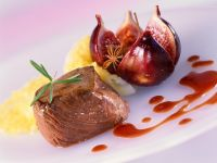 Venison Medallion with Fig and Wine Sauce