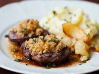 Venison with Herb Breadcrumbs and Mashed Potatoes recipe