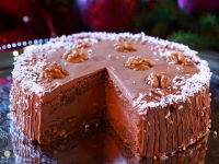 Walnut Spice Cake with Chocolate Cream recipe