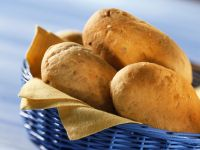 Wheat Rolls with Nuts recipe