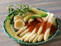 White Asparagus, Eggs and Boiled Potatoes with Strawberry Sauce recipe