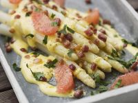 White Asparagus with Bacon and Grapefruit recipe