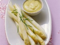 White Asparagus with Hollandaise Sauce recipe