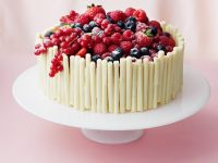 White Chocolate Berry Gateau recipe