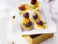 White Chocolate Medallions with Candied Hazelnuts, Orange and Pistachios recipe