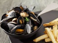 White Wine-steamed Mussels recipe