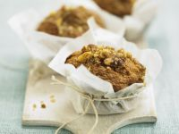 Almond and Wholemeal Flour Cakes recipe